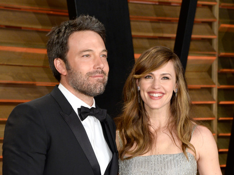 Jennifer Garner and Ben Affleck Celebrate Anniversary with Romantic Dinner