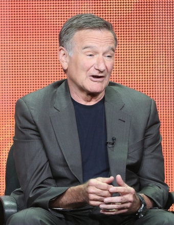 Robin Williams Keeping Himself in Check with Rehab Visit