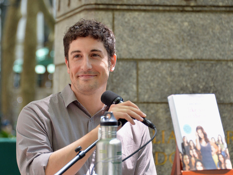 Jason Biggs Receives Major Backlash over Joke About Malaysian Airlines Disaster