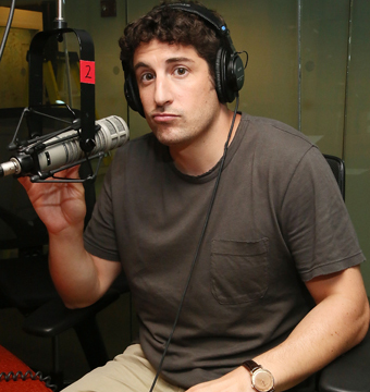 Jason Biggs Apologizes for 'Insensitive' Malaysia Airlines Tweet