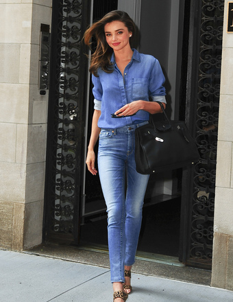 Miranda Kerr was spotted leaving her NYC apartment.
