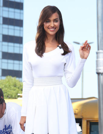 "Irina Shayk stopped by Universal Studios Hollywood to visit the ""Extra"" set."