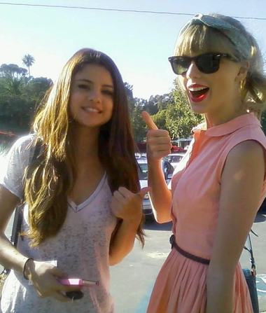Taylor Swift Wishes Selena Gomez a Happy 22nd Birthday!