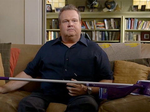 'Modern Family's' Eric Stonestreet Tries to Keep His Place Clean When Mom Visits