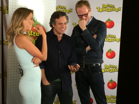 Comic-Con 2014: Mark Ruffalo & Paul Bettany Show Their 'Avengers' Bromance