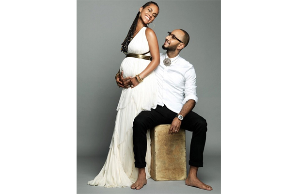 Alicia Keys Announces Pregnancy with Baby Bump Pic