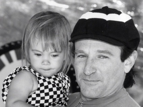 'Extra's' Last Interview with Robin Williams: Reminisces About Daughter Zelda