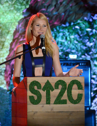 Gwyneth, Reese and Other Stars Join Stand Up to Cancer Event