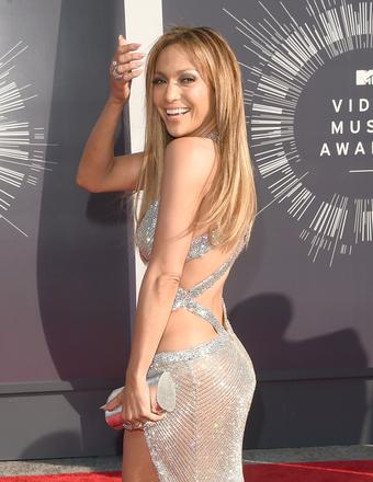 Jennifer Lopez on Iggy Azalea's Pre-VMAs Fall from Stage