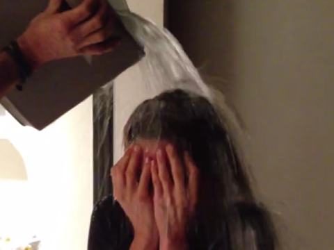 See Jennifer Aniston and Justin Theroux's Adorable ALS Ice Bucket Challenges