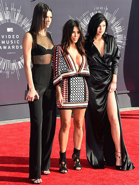Red Carpet Pics from the 2014 MTV VMAs!