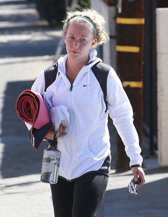 Kendra Wilkinson attended a yoga class in Studio City, CA.