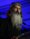 Extra Scoop: 'Duck Dynasty' Star Phil Robertson Resting After Being Hospitalized