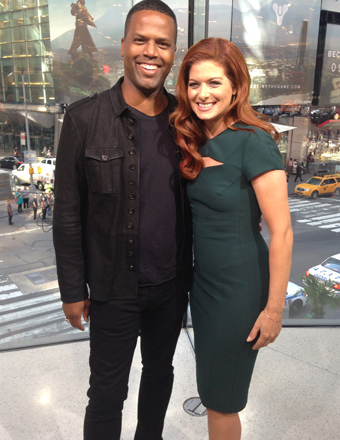 """Watch AJ Calloway's interview with """"The Mysteries of Laura"""" star Debra Messing tonight on """"Extra""""!"""