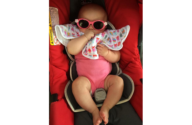 Kelly Clarkson's Baby Girl Channels Lady Gaga in New Pic!