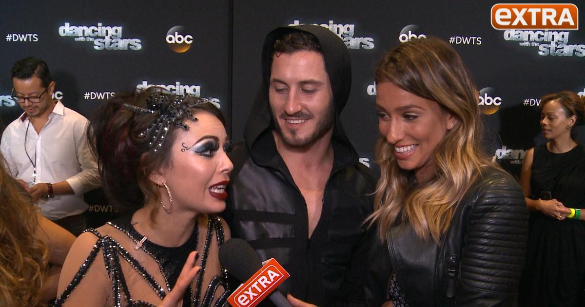 "dwts 2014 dating rumors Rumors regarding kate upton's love life are swirling again this time, the sports illustrated model has been linked to dancing with the stars pro maksim chmerkovskiy us weekly reports ""multiple insiders"" have confirmed that the two are indeed dating, with one eyewitness spotted the duo."