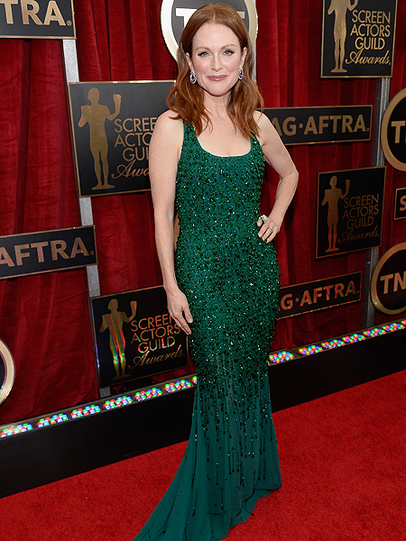 SAG Awards Fashion: Julianne Moore Stuns in Green Givenchy and Chopard Jewels
