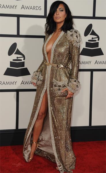 Kanye West Grabs Kim Kardashian S Famous Booty On Grammys