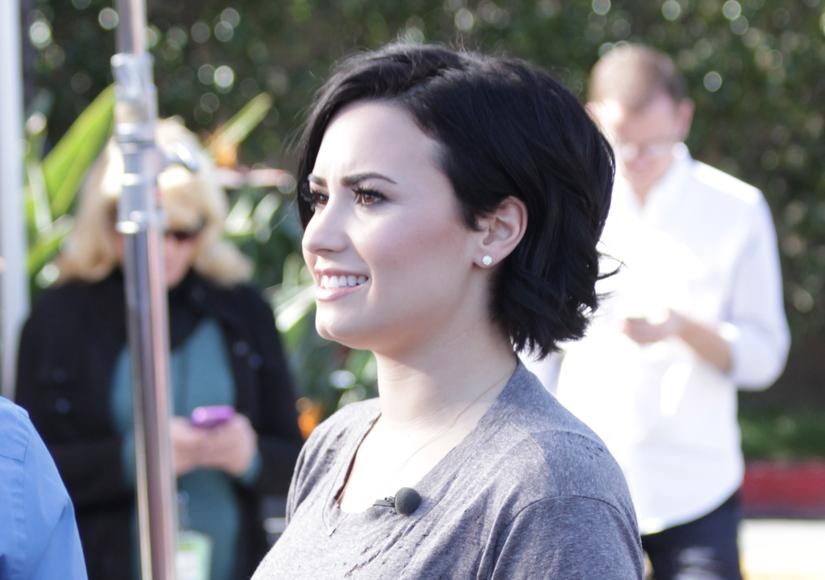 Demi Lovato S Super Cute Haircut Is A Hit Extratv Com
