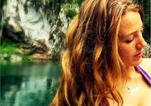 """""""The PERKS of Breastfeeding"""" Blake Lively Shows Off Bikini Body After Baby"""