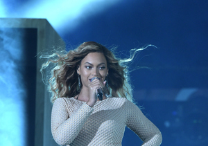 Beyoncé Sparks More Pregnancy Rumors — See the Video!