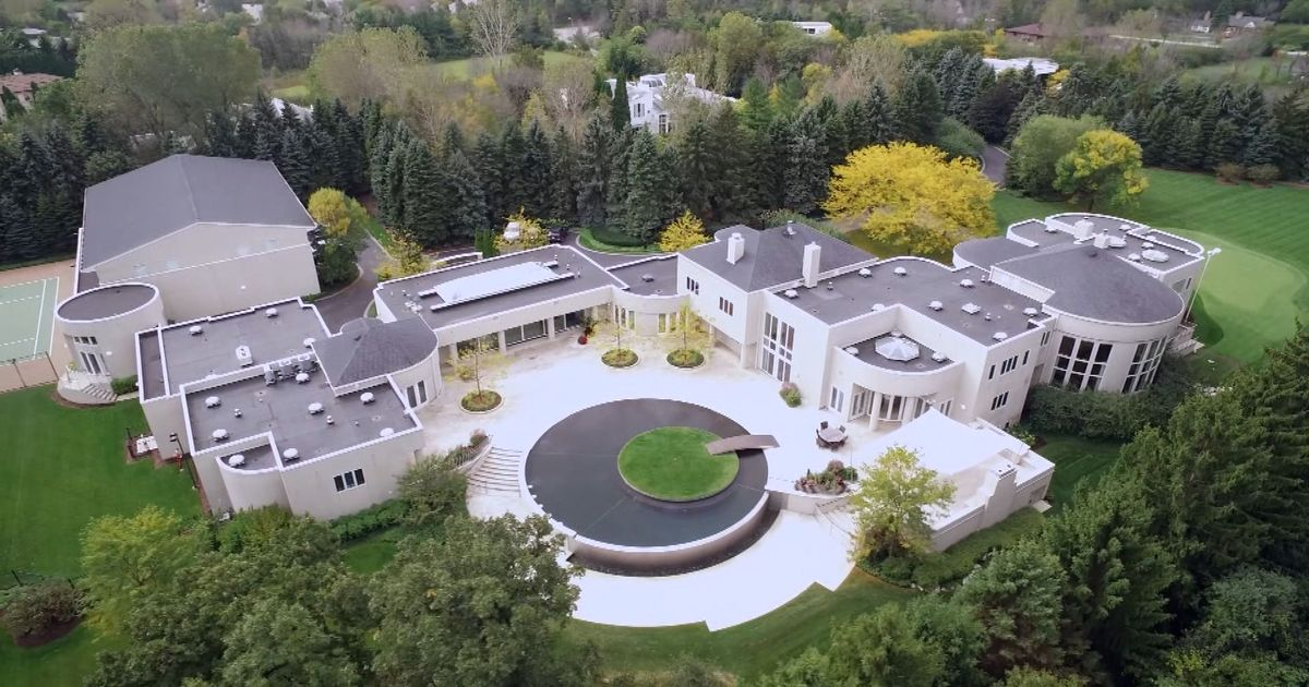 Mansions and millionaires michael jordan 39 s 14 million for Michael jordan real estate