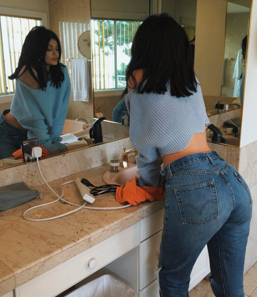 Levi's New 'Wedgie' Jeans Offer Instant Butt Lift