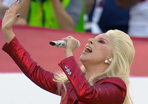 Gaga's Red-White-and-Blue National Anthem Performance
