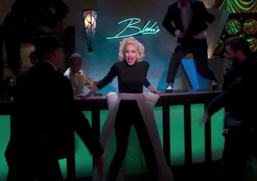 Gwen Stefani, Blake Shelton Get Cozy During PDA-Filled Night