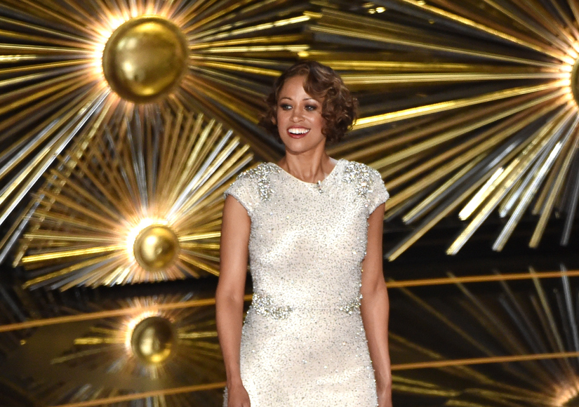 Stacey Dash Makes Weird, Unfunny Cameo at 2016 Oscars, But Why?