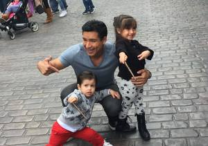 Mario Lopez Takes Gia & Nico to the Wizarding World of Harry Potter