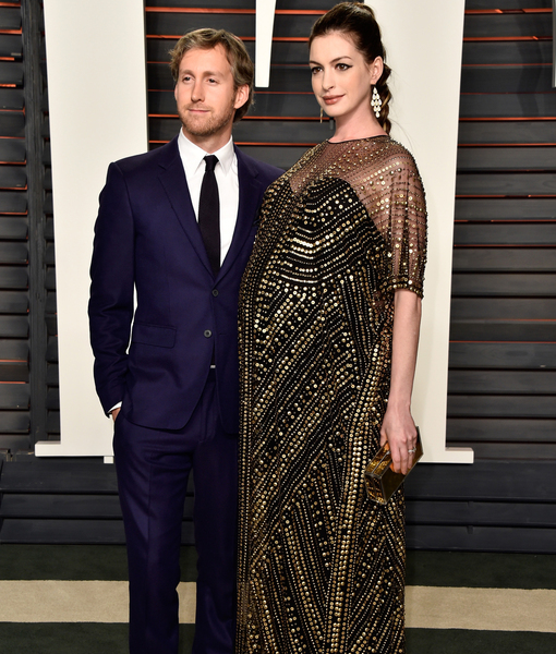 anne hathaway welcomes a son find out his name extratvcom