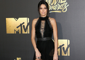Stars Rock the Carpet at the MTV Movie Awards!