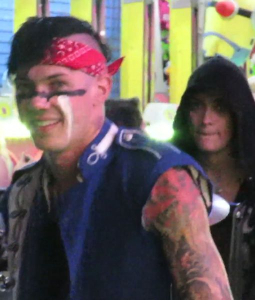 Video: Paris Jackson Spotted Out with BF Michael Snoddy