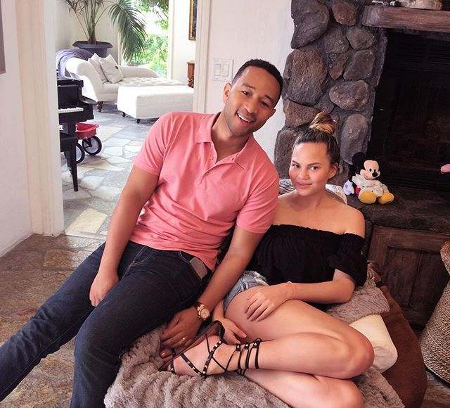Chrissy Teigen Flaunts Post-Baby Bod Just 3 Weeks After Giving Birth