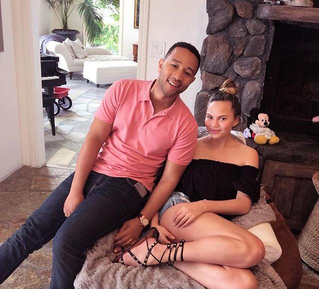 Chrissy Teigen Flaunts Post-Baby Bod Just 3 Weeks After Giving Birth