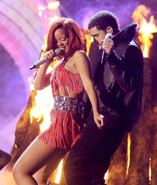 Extra Scoop: Rihanna & Drake Secretly Dating