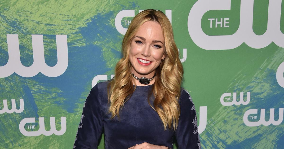 Caity Lotz Teases 'Legends of Tomorrow' Finale and 'Big Shakeup' for Season 2 | ExtraTV.com