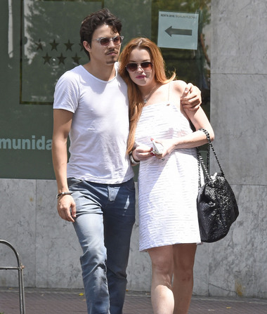 Police Rush to Lindsay Lohan's Home After She Accuses Fiancé of…