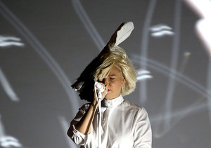 Can You Sia Me Now? Reclusive Singer's Face Revealed