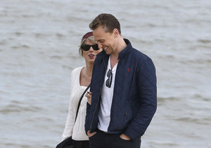 Tom Hiddleston Introduces Taylor Swift to His Mom!