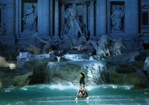 Video! Kendall Jenner Opens FENDI's Stunning Show at Trevi Fountain in Rome