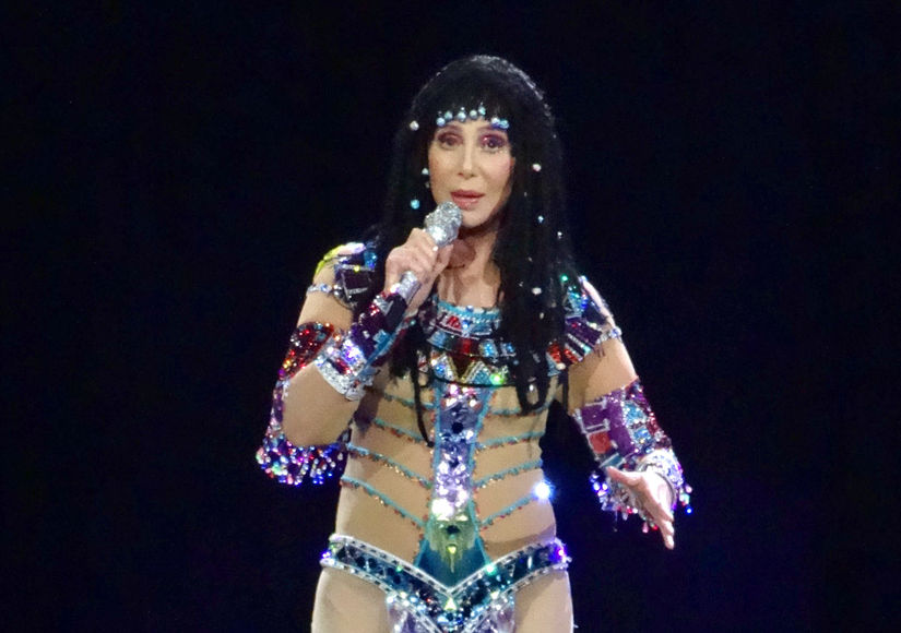 Extra Scoop: New Celebrity Feud? Cher Bashes Kate Hudson's Fabletics Line