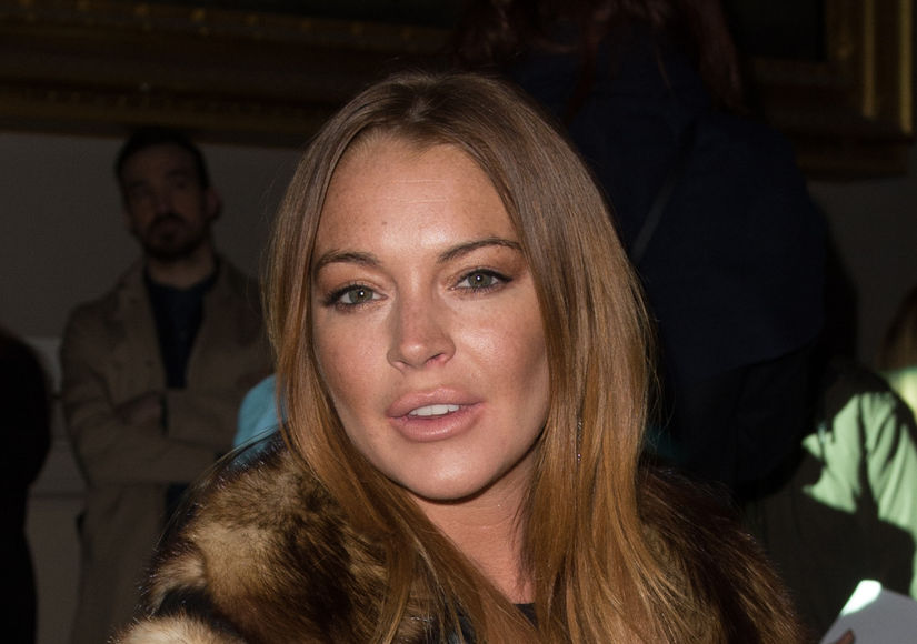 Lindsay Lohan Fights with Fiancé, Tweets, 'I Am Pregnant'