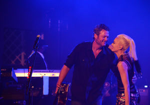 Gwen & Blake's Hamptons PDA Fest as Miranda Lambert Announces Surprise…