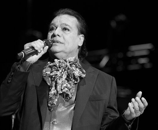 Mexican Icon Juan Gabriel Dead at 66