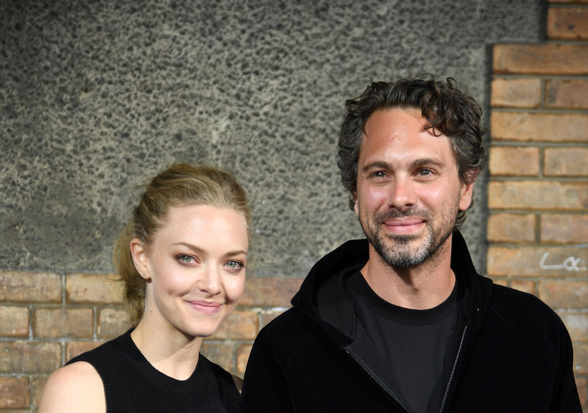 Amanda Seyfried Gets Engaged To Thomas Sadoski!
