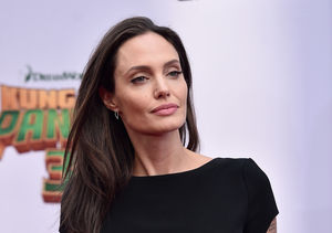 Extra Scoop: Angelina Jolie Spotted Without Wedding Ring Weeks Ago