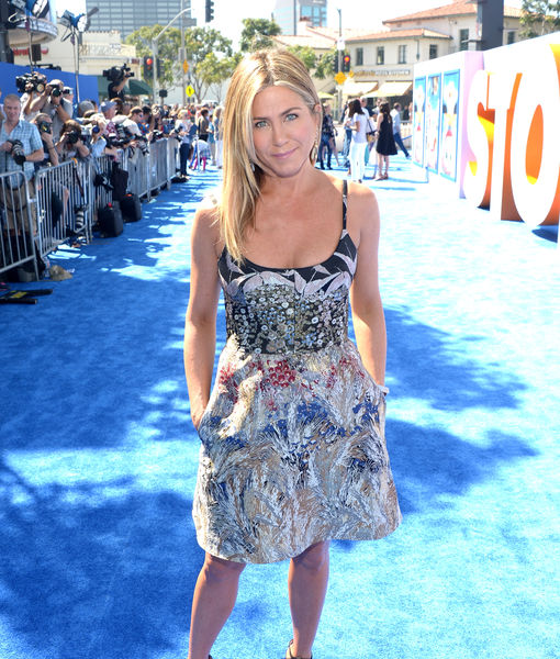 Jennifer Aniston Talks the Birds & the Bees at 'Storks' Premiere