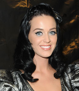 Katy Perry is not pregnant!